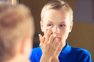 boy-with-contact-lens